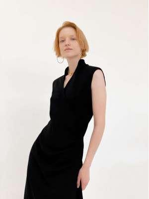 Платье на запах с плечиками черное